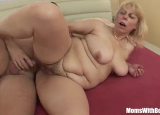 Anal sex with a pretty passionate mature