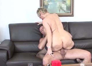 Sensual GILF fucks in the doggy style