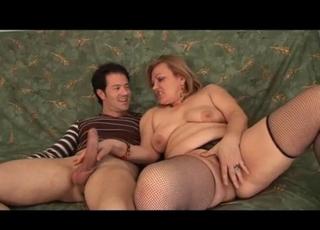 Gorgeous MILF in stockings loves sex