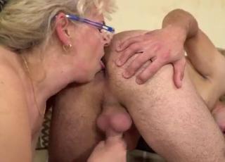 Lusty MILF is enjoying hardcore sex